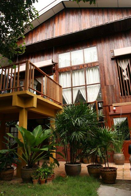 Natural Wood Theme Bangkok House